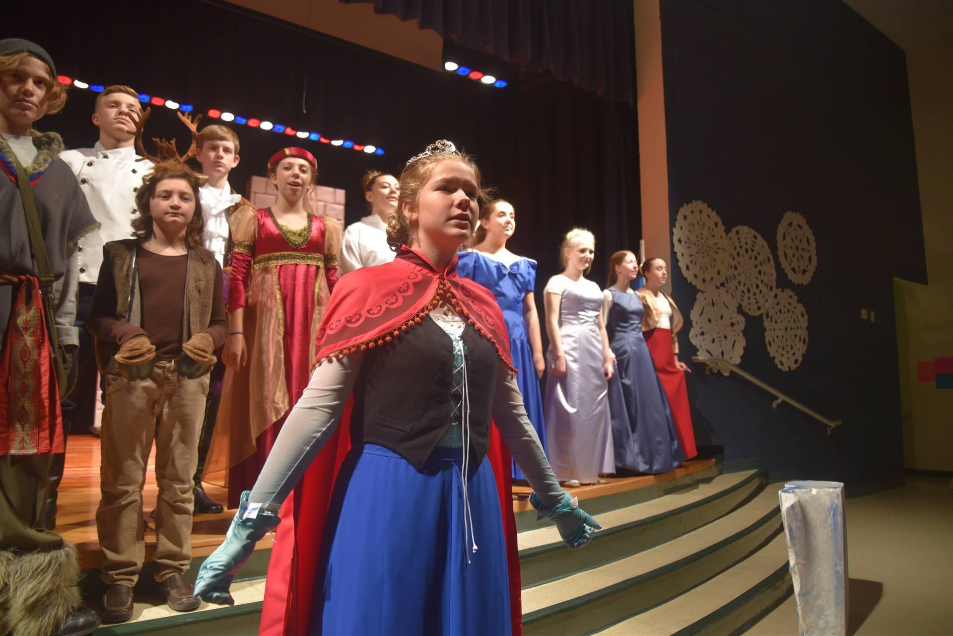 Elise singing